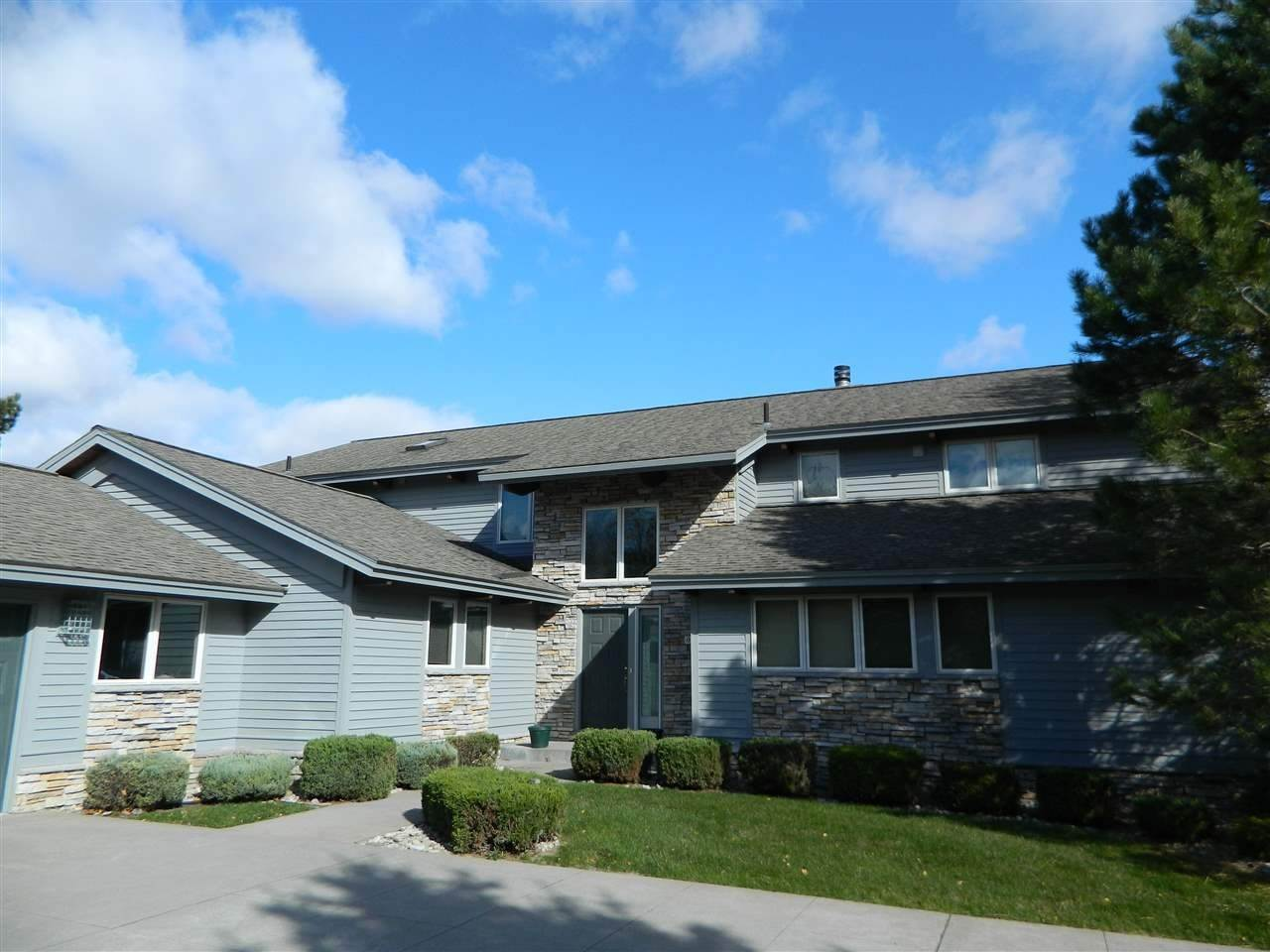 5. Single Family Homes at 6120 Pine Lake Club Drive Charlevoix, Michigan 49720 United States