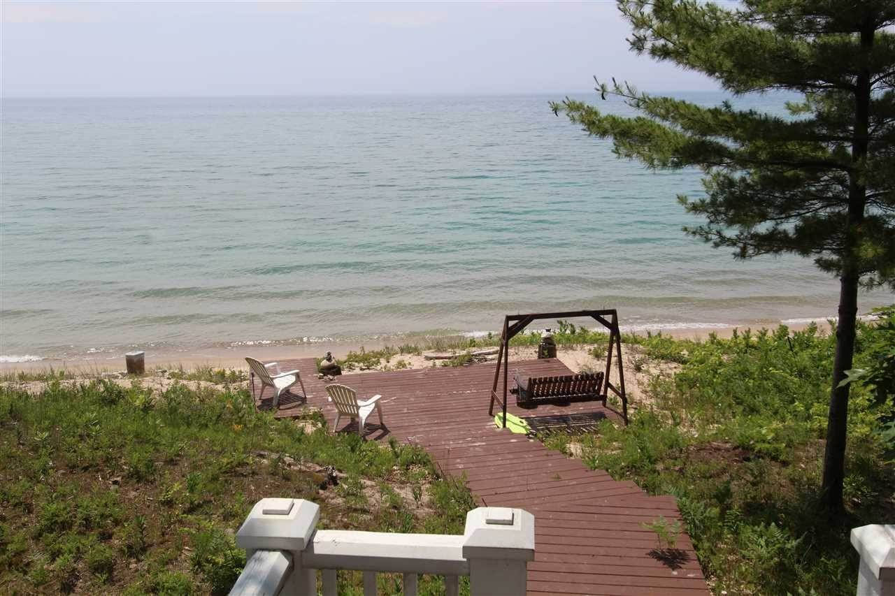23. Single Family Homes at 5414 Lower Shore Drive Harbor Springs, Michigan 49740 United States