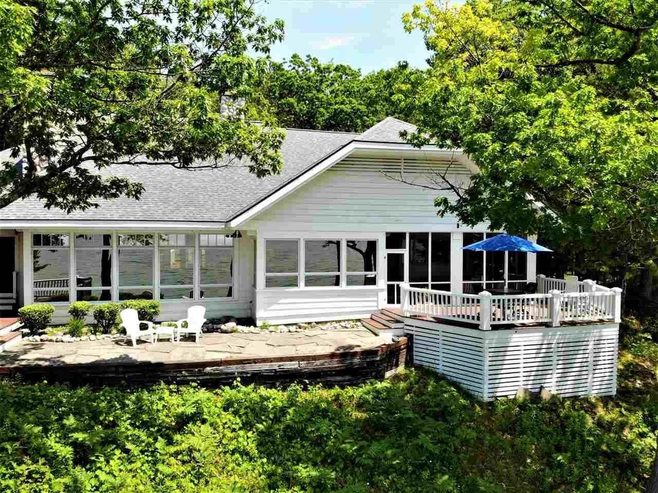 4. Single Family Homes at 5414 Lower Shore Drive Harbor Springs, Michigan 49740 United States