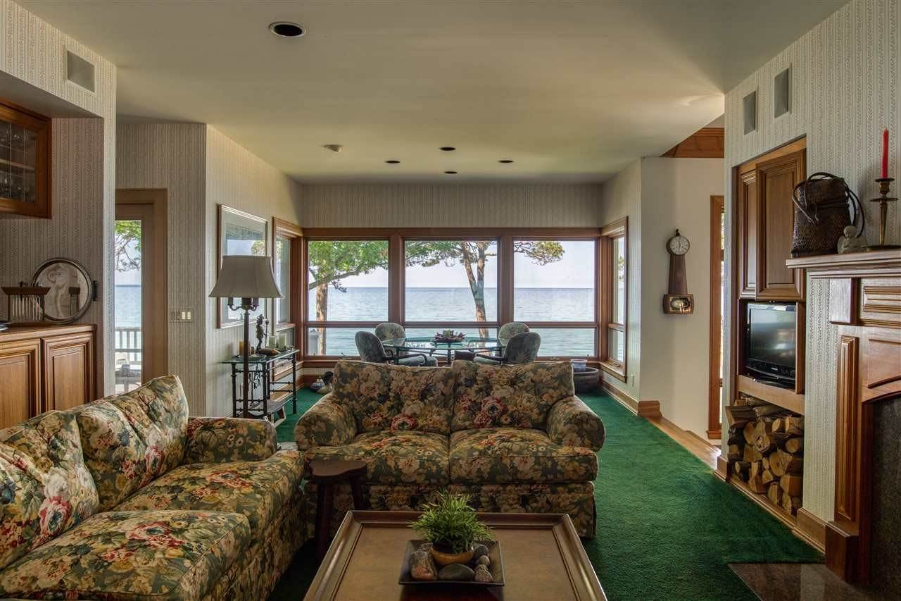 10. Single Family Homes at 5414 Lower Shore Drive Harbor Springs, Michigan 49740 United States