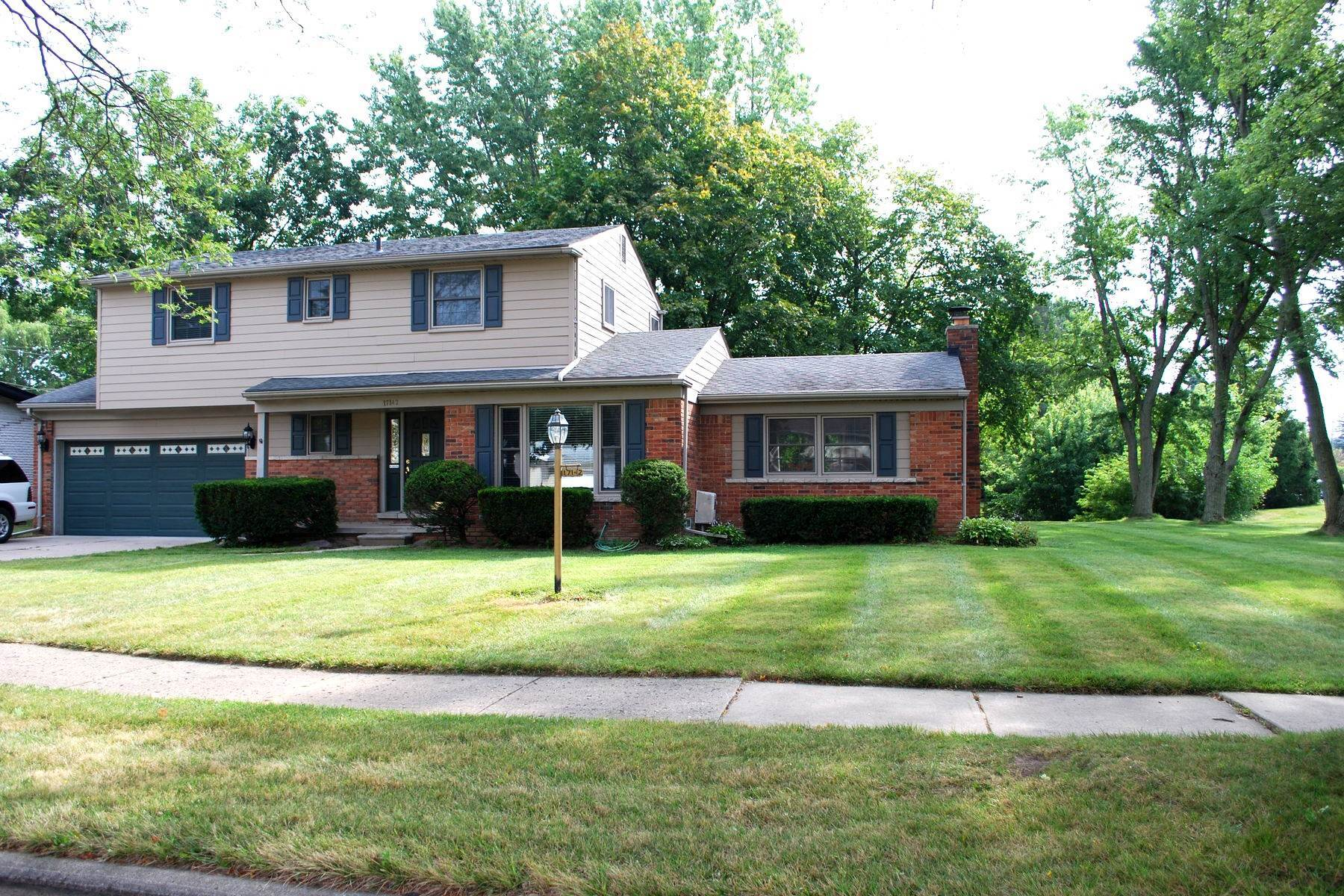Single Family Homes for Sale at Livonia 17142 Westbrook Drive Livonia, Michigan 48152 United States