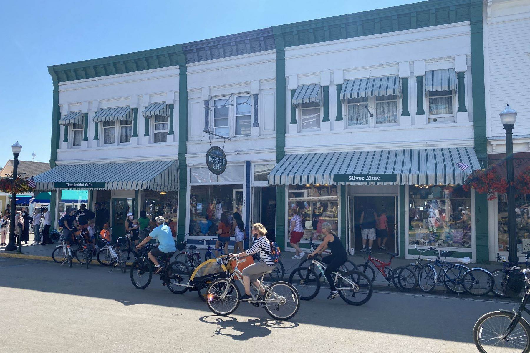 15. Commercial for Sale at Waterfront commercial building on Mackinac Island with retail space 7293 & 7279 Main Street Mackinac Island, Michigan 49757 United States