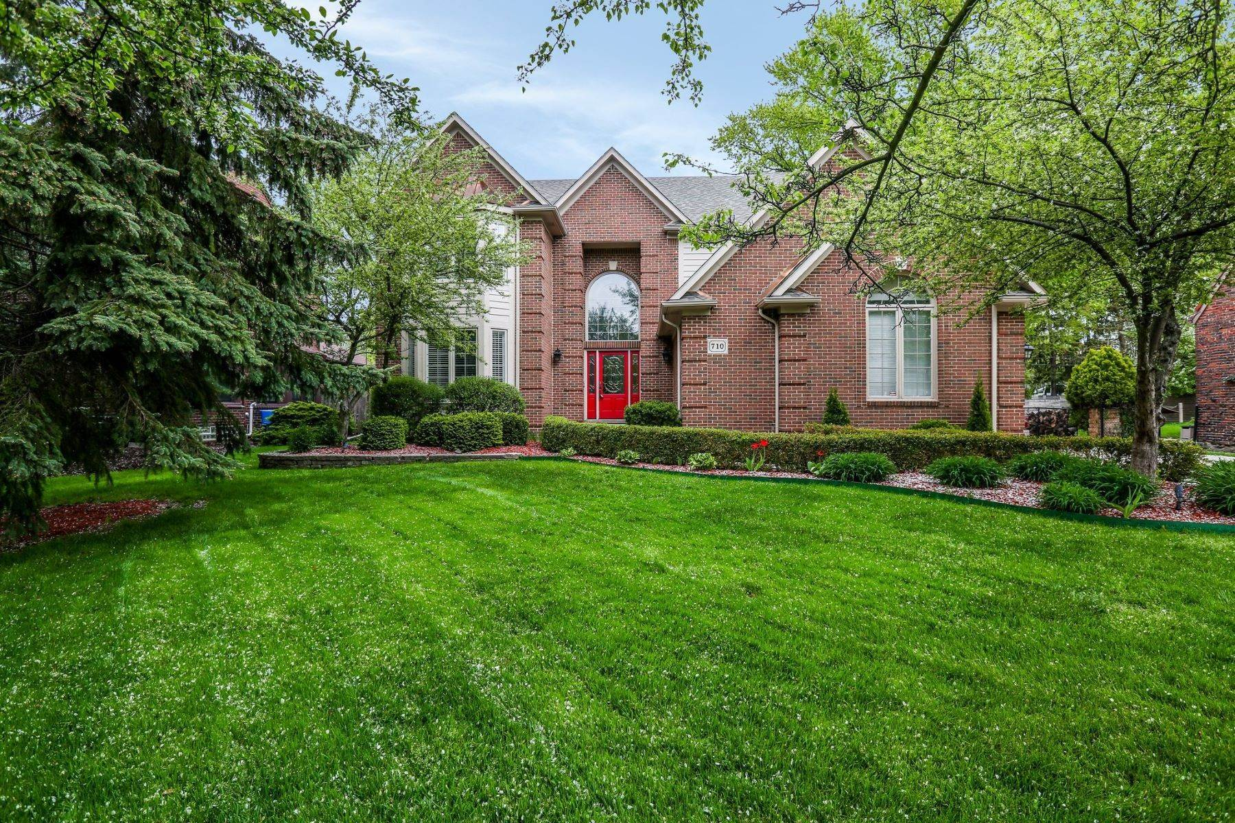 Single Family Homes for Sale at Grosse Pointe Park 710 Lakepointe Grosse Pointe Park, Michigan 48230 United States