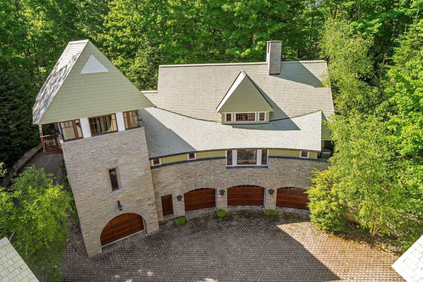 31. Single Family Homes for Sale at Private Lake Michigan Estate 6744 Preserve Drive North Bay Harbor, Michigan 49770 United States