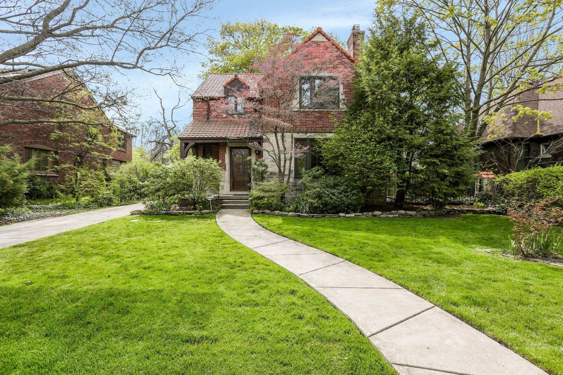 Single Family Homes for Sale at Grosse Pointe Park 723 Barrington Rd Grosse Pointe Park, Michigan 48230 United States