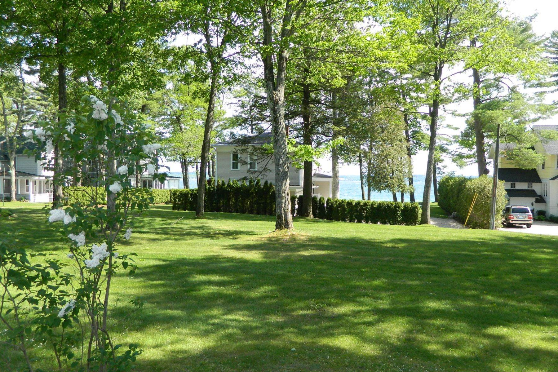 20. Other Residential Homes for Sale at Cottage in Wequetonsing 2545 Pennsylvania Ave Harbor Springs, Michigan 49740 United States