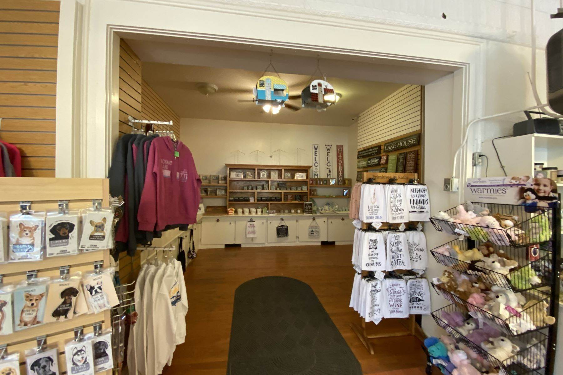 17. Commercial for Sale at Waterfront commercial building on Mackinac Island with retail space 7293 & 7279 Main Street Mackinac Island, Michigan 49757 United States