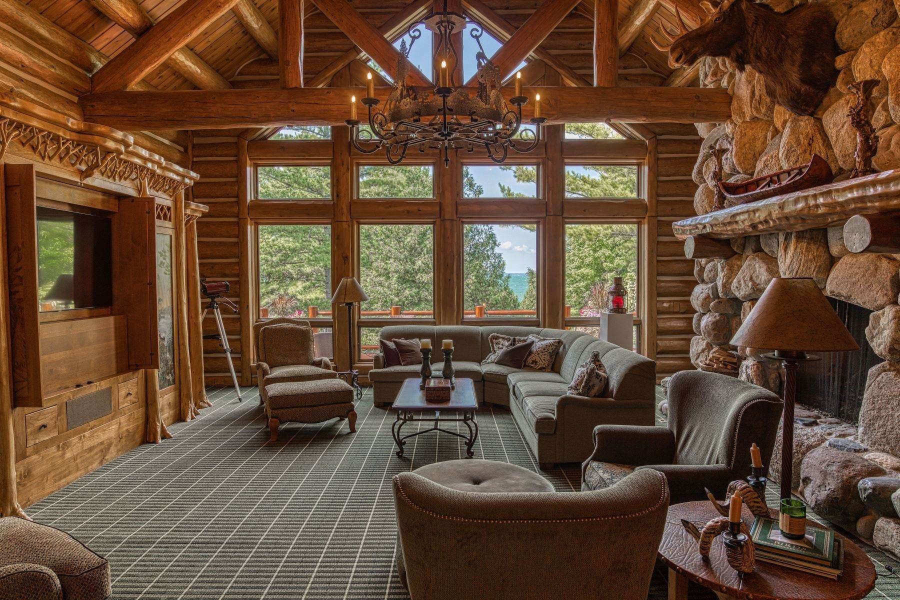 18. Single Family Homes for Sale at Incomparable custom log home on Lake Charlevoix 03080 Tall Pines Boyne City, Michigan 49712 United States