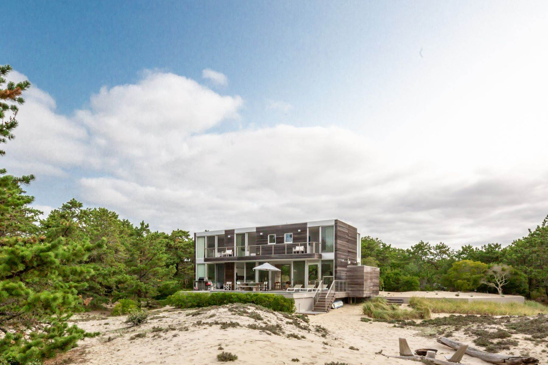Single Family Homes at Stelle Lamont Design In The Dunes 2 Mitchell Dunes Amagansett, New York 11930 United States